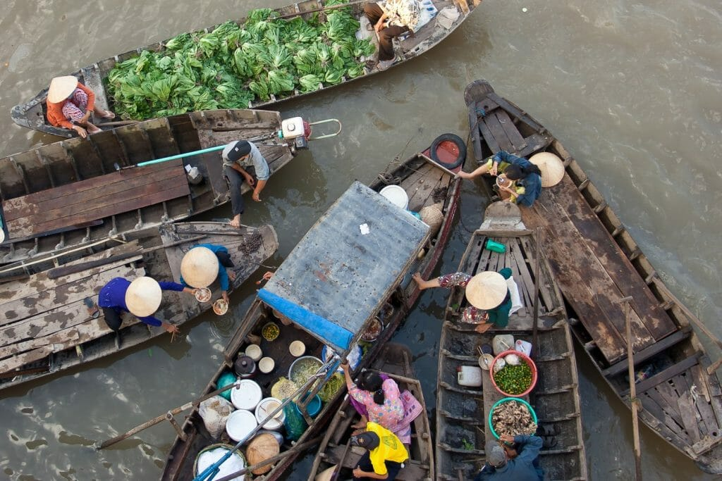 Backpackkit floating market