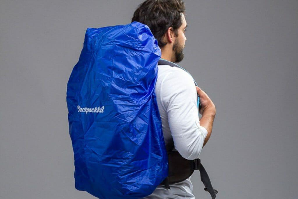 Backpackkit regenhoes backpack zijkant