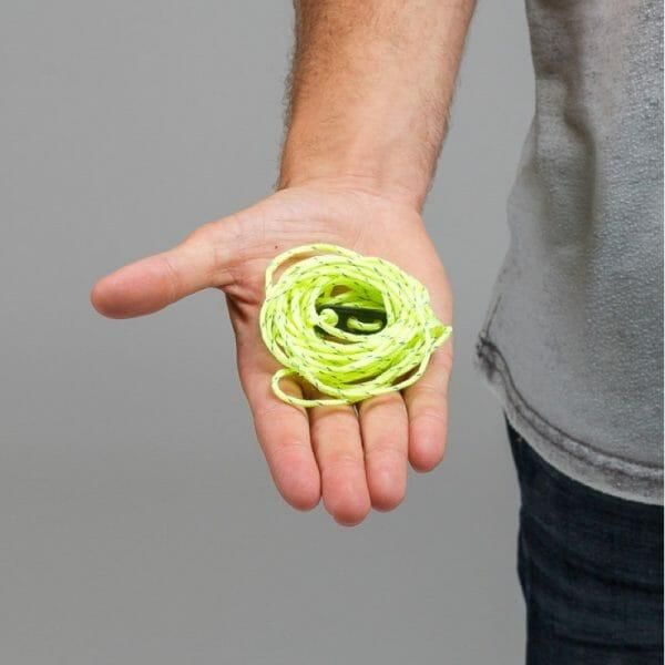 backpackkit touw voor backpackers in hand