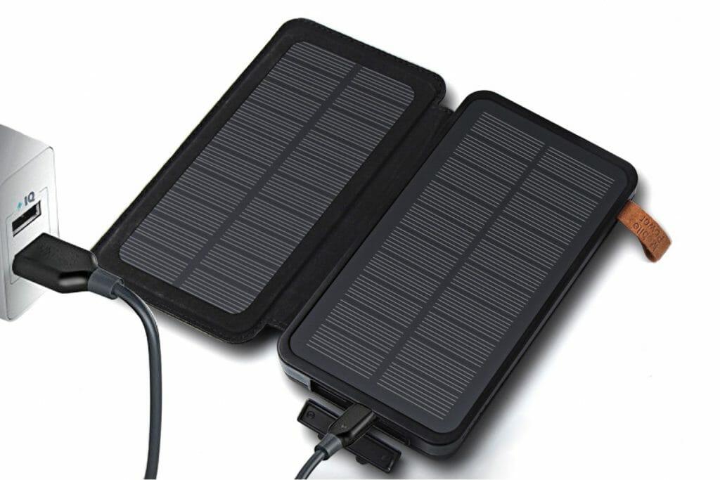 Backpackkit solar oplader powerbank stopcontact