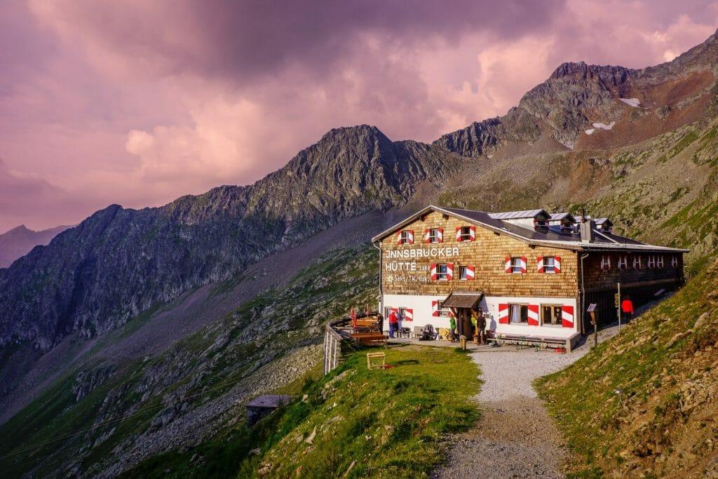 Huttentocht in Zwitserland Corona backpacken